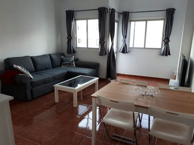 2 Bed. Till 6 people near sea and shops