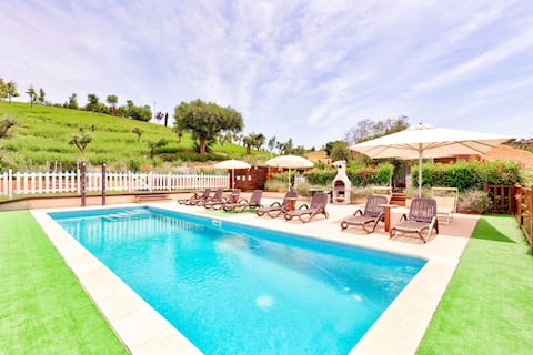 Cosy Holiday Home in Montegranaro with Swimming Pool