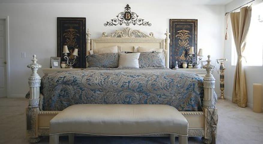 Vegas Luxury Estates