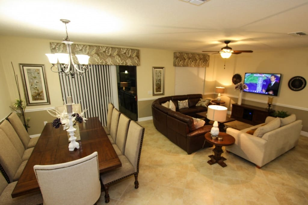 Open Floor Plan - Living Area, Dining Area & Kitchen w/Pool Access - View #2