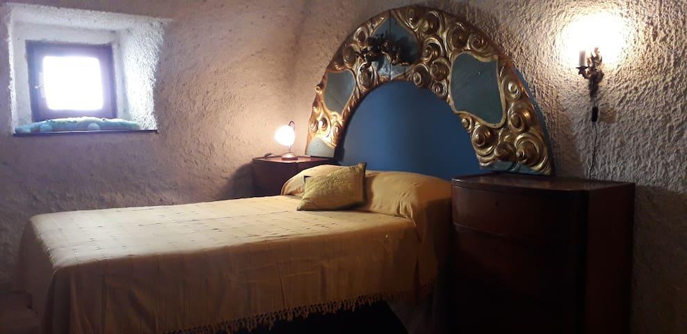 The explorer's den