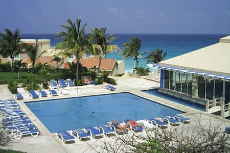 CANCUN RESORT 2 PERSON FRONT BEACH HOTEL´S ZONE - Cancun - Byt