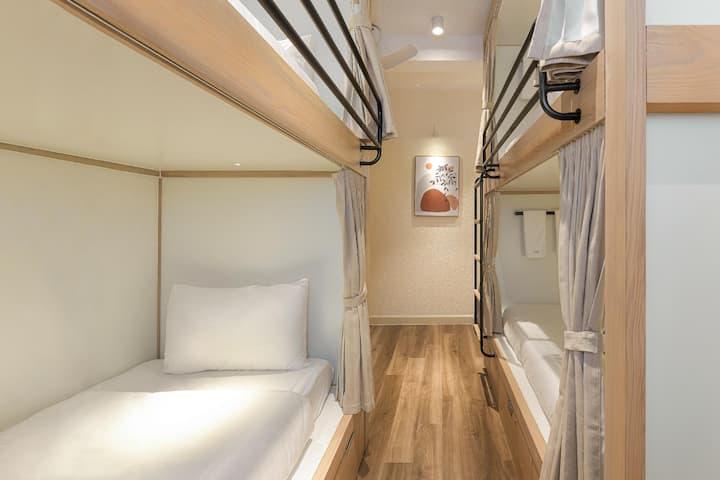 La Joia Villa - Basement Dorm Four   - Your comfort cozy hideout