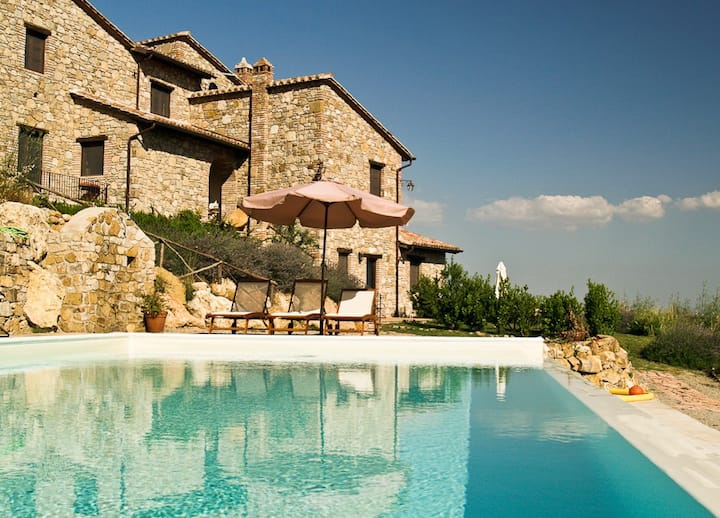 """Il Leccino"": Delightful 1-bdr apt. in farmhouse."