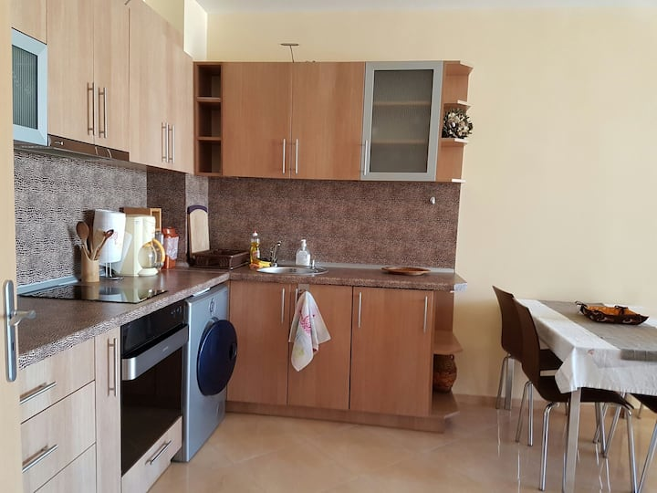 APARTMENT IN POMORIE FOR 4 PEOPLE