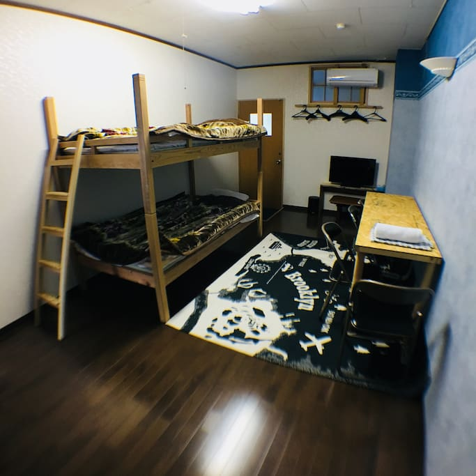 Dorm Room with 4 beds