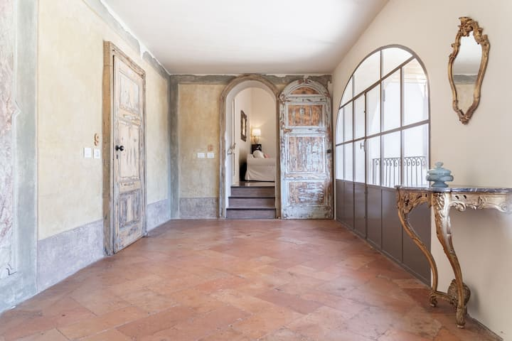 Palazzo Mia - Penthouse 8 by iCasamia.it