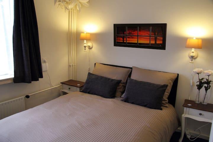 B&B Vermeesch kamer 3 - Standdaarbuiten - Bed & Breakfast