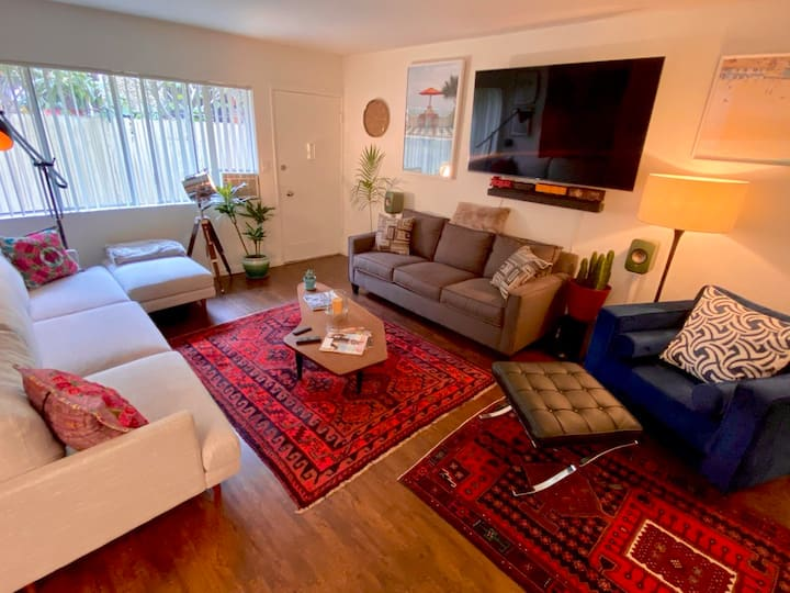 Fabulous West Hollywood 1BR - Free Garage Parking
