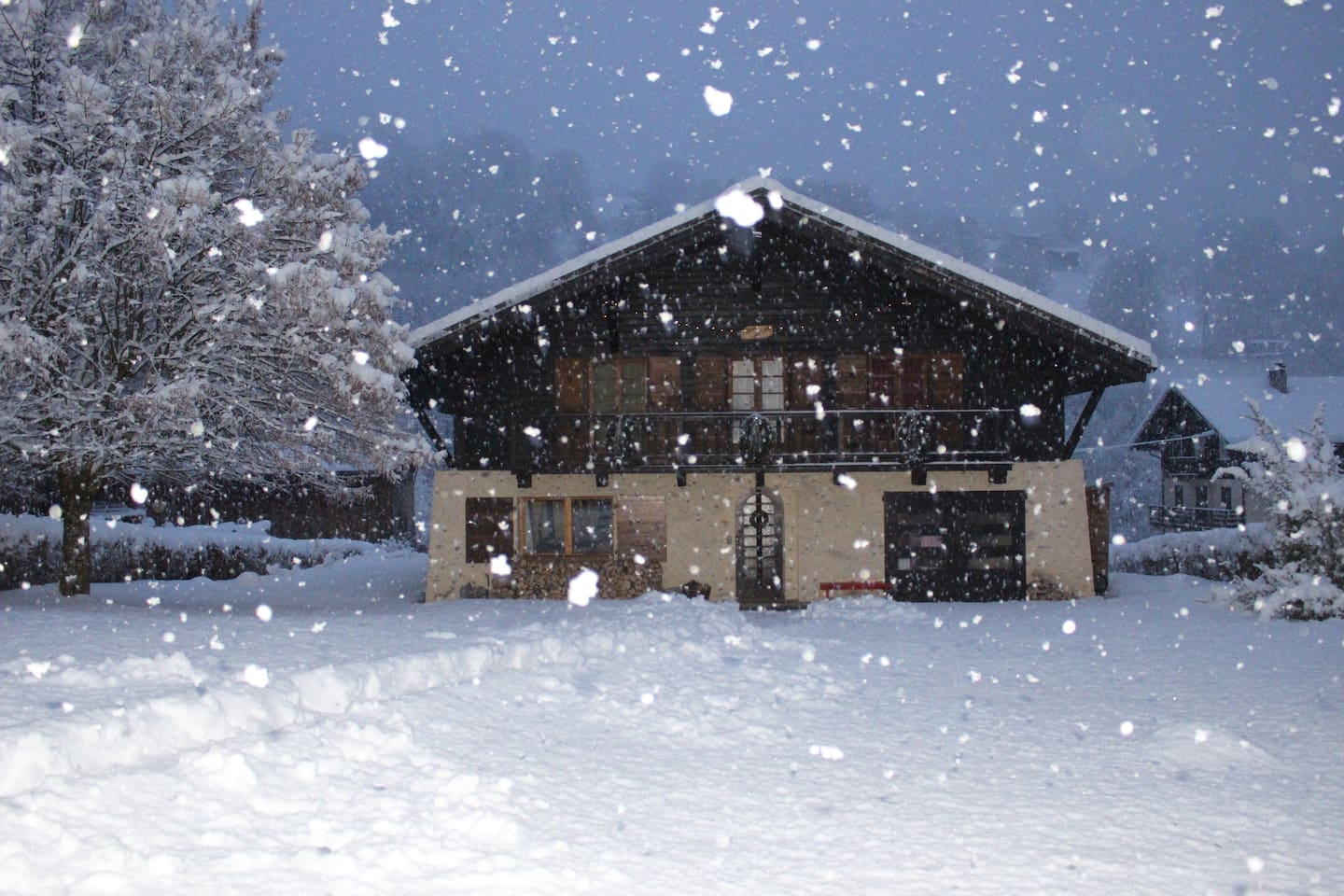 Chalet Nicole snug in a snow storm.