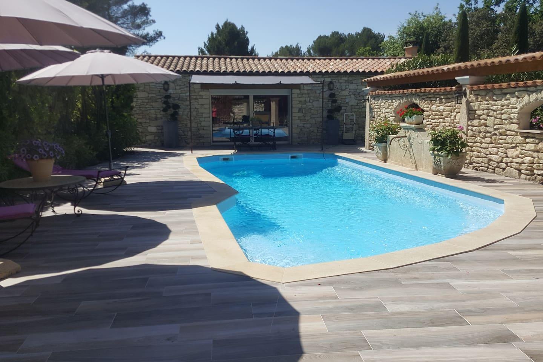 Le gîte La terrasse La piscine chauffée