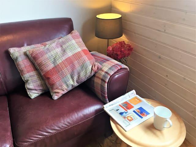 Relax in St Awaries Studio