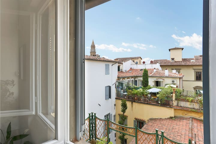 Modern Apt with View in the 14th Century Palace