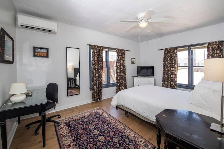 Guest Quarter # 103 ( 1 of 3 listings)