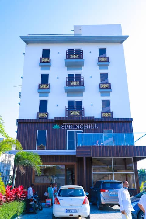 HOTEL SPRINGHILL