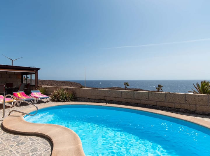 Villa Tania: villa with private pool and sea view