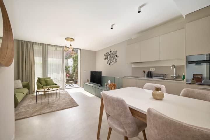 Bright Modern Duplex 1bed/1.5bath+Terrace! #106