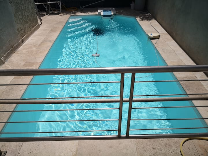 Appart/Maison climatisée et piscine privative