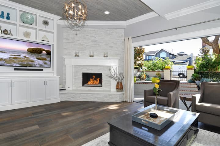 Fully Renovated Beach House in heart of CDM