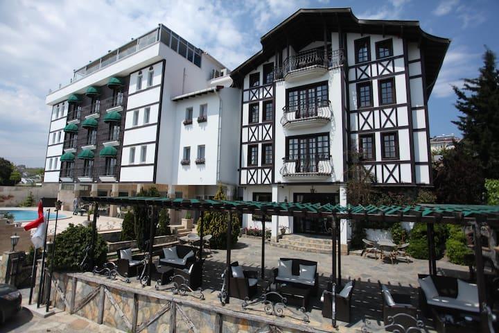 Sinop bölgesinde havuz, özel iskele,deniz manzara
