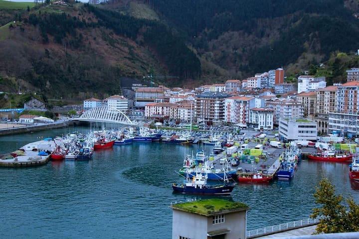 Ondarroa un pueblo de pescadores  E.BI-1306