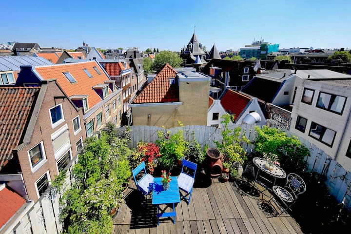 Penthouse Studio with Roof terrace and city view