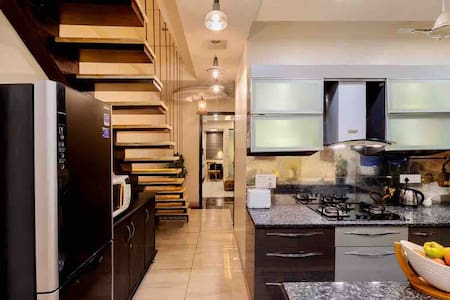 Stunning,Luxurious,2BR2Bath,elevator,Nr Khan MKT