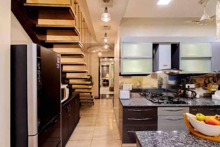 Luxurious,2BR2Bath,kitchen,elevator,Nr Khan MKT🤩