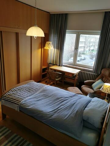 Quiet room close to Bergpark and ICE Train station