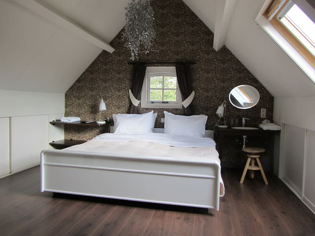 Private guesthouse with sauna & jacuzzi Vinkeveen - Vinkeveen - Chalet