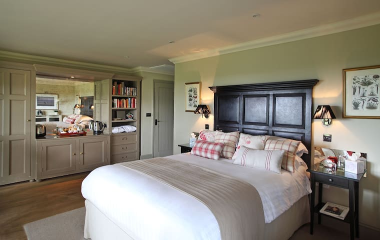 Magazine Wood - Award-Winning Coastal B&B