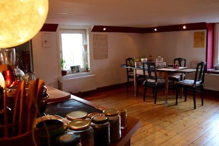 Gemütlich rustikale Wohnung in antikem Bauernhaus - Blomberg