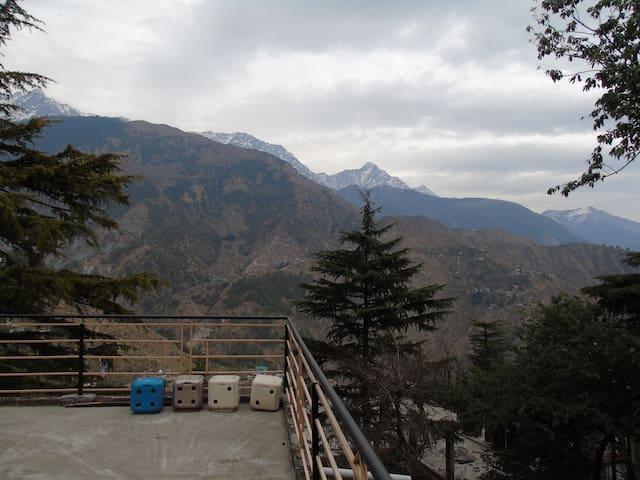 SHIVA'S ADOBE / ROOM 301 - Dharamshala - Квартира