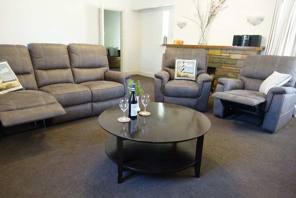 Comfy lounge with recliners