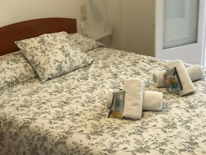 Girona Holiday apartament 3 persons price per night and person