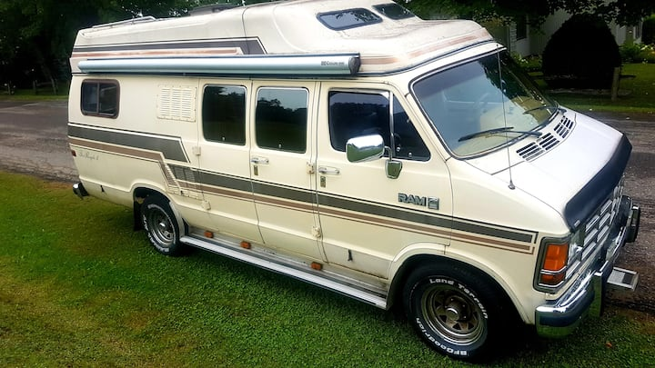 World championship vintage camper camping deluxe