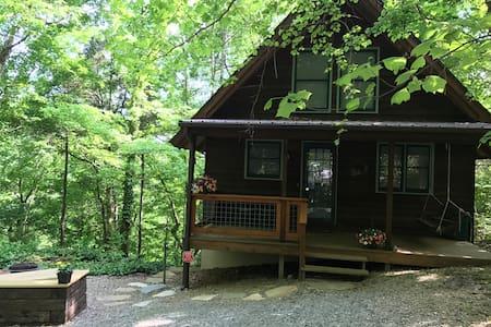 Cedar Bluff Cabin on the Caney Fork River