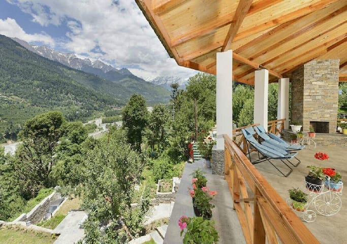 Beautiful Villa+Parking+River & SolangView @Manali
