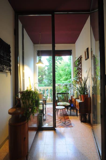 corridoio d'ingresso con loggia
