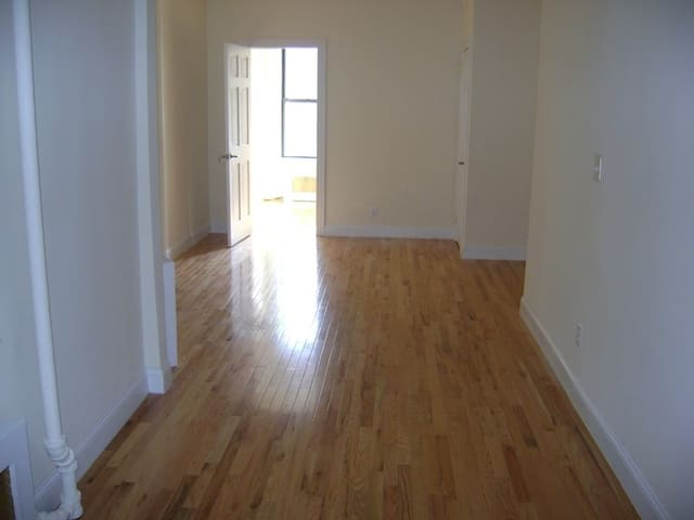Big furnished 1br in Chelsea steps from High Line