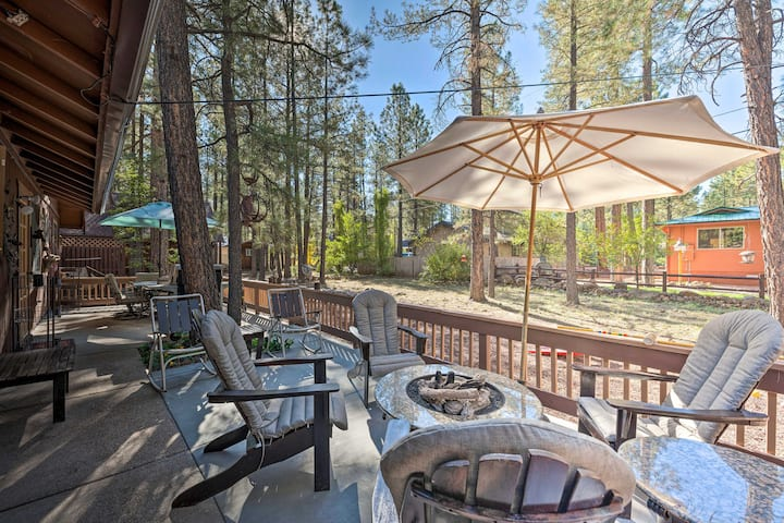 Family Friendly Pinetop Lakes Country Club Cabin!