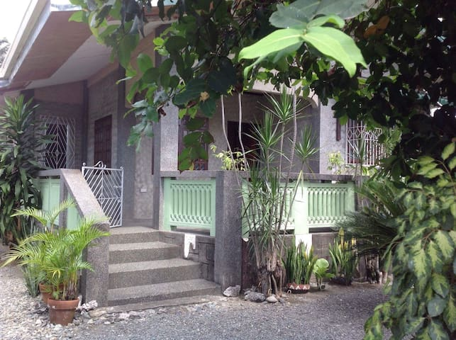 Baler Bed and Breakfast Guests Room - Baler - Rumah