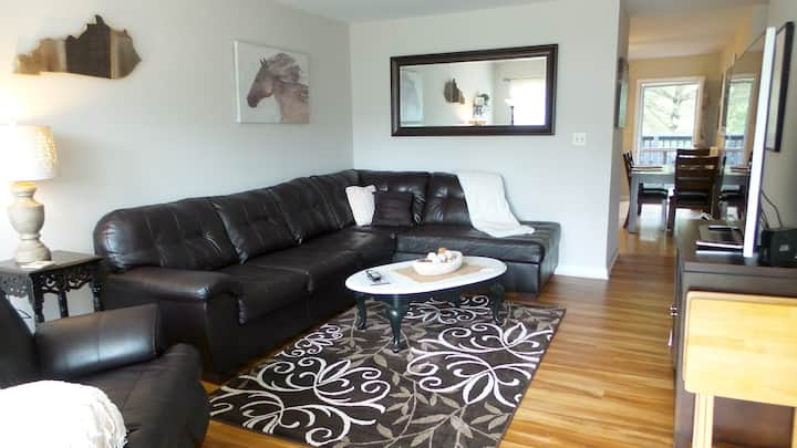 Chateau Bluegrass - Spotless 2 bedroom rental