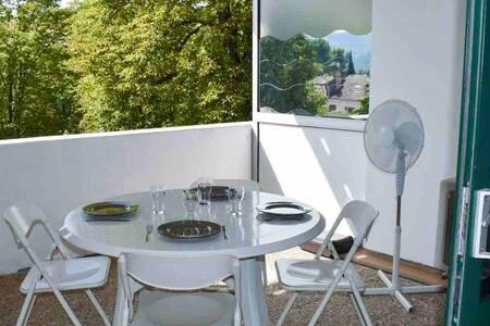 Grand Studio 38m2, grande terrasse, Idéal Curistes