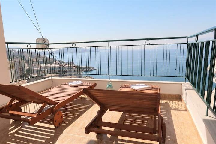Apartment with sea view- Star Apartment