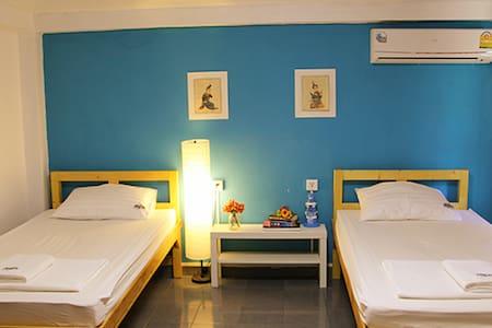 空调独卫标准双人间(中文服务)曼谷树青旅Tree Hostel - Bangkok
