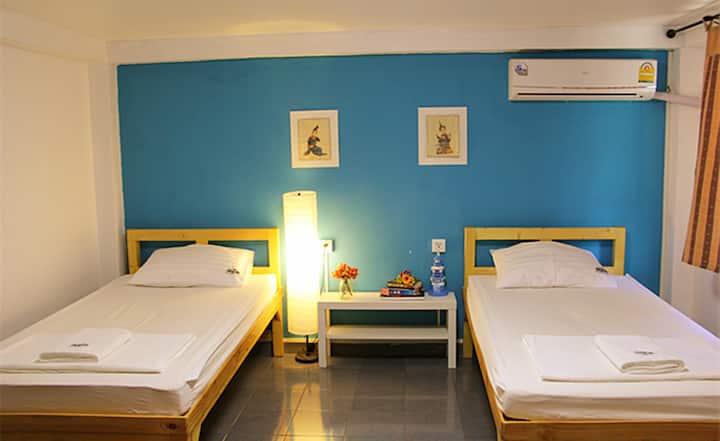 空调独卫标准双人间(中文服务)曼谷树青旅Tree Hostel