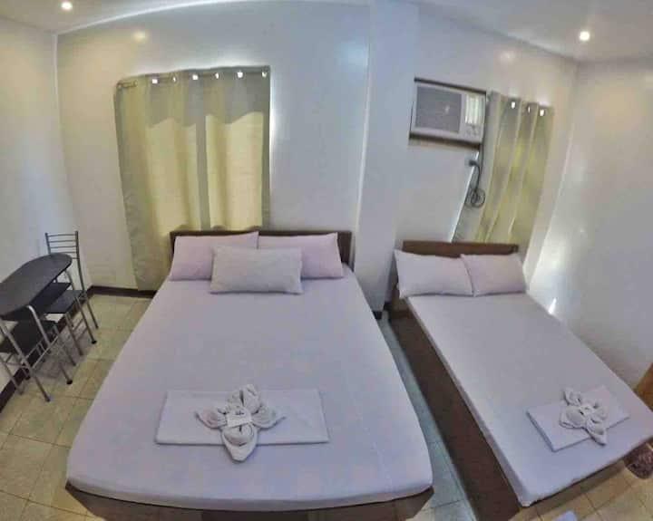 LCB Apartelle Room B (5-6pax)
