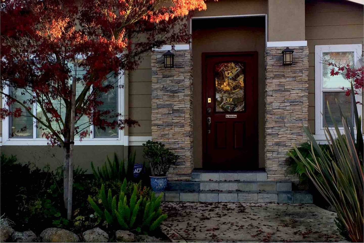 Gorgeous private unit with pretty landscaping