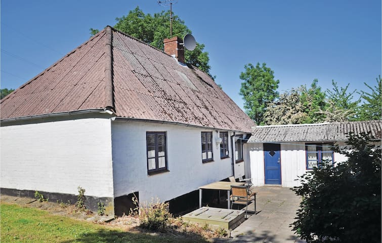 Holiday cottage with 3 bedrooms on 70 m² in Augustenborg